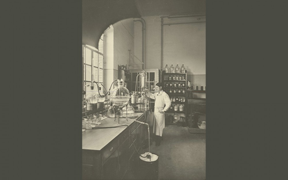 Photograph of pharmaceutical research at Ciba in Basel, Switzerland in 1914